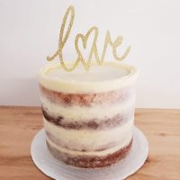 Gâteau naked avec cake topper Love- naked cake with love cake topper