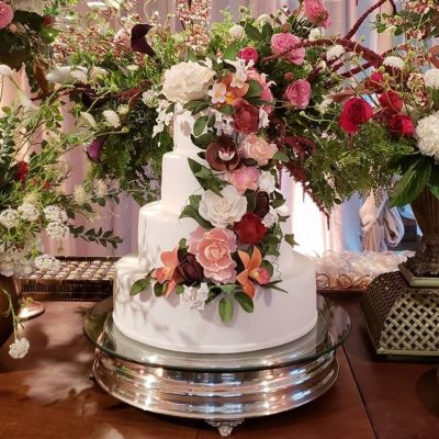 Gâteau de Mariage avec fleurs en pâte à sucre- wedding cake with sugar flowers