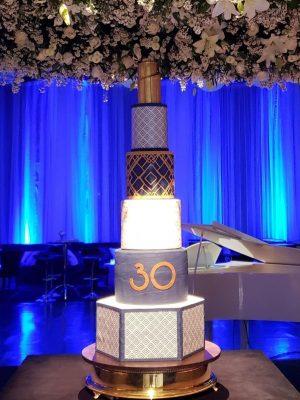 Gâteau de anniversaire - montreal - quebec - Anniversary - cake - Gâteau de fête - Party cake - 30 ans years - Gateau personalise sur mesure customisé - custom cake - art deco